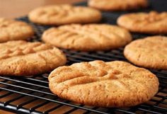 From gluten-free varieties to classic fudgy decadence, browse through our favourite mouth-watering biscuit and cookie recipes.