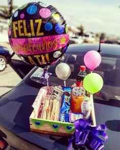 Chocolate Explosion Cake, Weird Gifts, Candy Shop, Love Art, Gift Baskets, Birthday Cake, Jenni, Sweet, Desserts