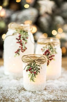 mason jar crafts DIY Snowy Mason Jars create faux snow-covered mason jar luminaries for the holiday season. Perfect for decorating your holiday mantle, table or porch! Winter Wedding Centerpieces, Mason Jar Centerpieces, Centerpiece Ideas, Winter Wedding Ideas, Christmas Wedding Decorations, Wedding Table, Winter Ideas, Diy Christmas Wedding Centerpieces, Wedding Mason Jars