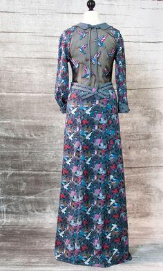 Joyeux ! In diesem Jahr konzentriere ich mich vorwiegend auf Stoffe, die für den Damenbereich gedacht sind, wobei viele Muster und Designs durchaus auch für Kinder einsetzbar sind. Da kommt eine riesiges und farbenfrohes Sortiment mit verschiedenen und hochwertigen Stoffqualitäten auf euch zu. Lila-Lotta.com