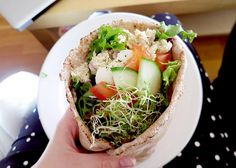 "Wrap med ""tonfiskröra""   Vegetarisk måndag."