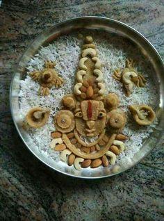 Spiritual Arts Gauri Decoration, Arti Thali Decoration, Ganapati Decoration, Food Decoration, Mandir Decoration, Diwali Decorations At Home, Fruit Decorations, Festival Decorations, Wedding Decorations
