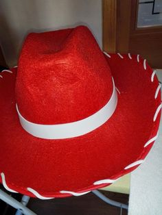 CAPRICHOS hechos a mano: CARNAVAL: DISFRAZ WOODY Y JESSIE Woody Y Jessie, Toy Story, Panama Hat, Carnival, Costumes, Cowboy Costumes, Facts, Meet, Accessories