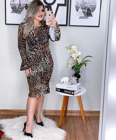 Dressy Outfits, Office Outfits, Jw Moda, Dress Skirt, Bodycon Dress, Prom Dresses, Dresses For Work, Plus Size Skirts, Pin Up Girls