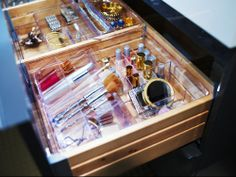 From makeup to nail polish to jewelry, the GODMORGON box with compartments is a great way to keep all of your accessories in one convenient location.