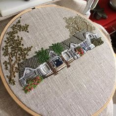Nearly finished with a new house! This one was trouble. It some how kept changing shapes and adding sections to itself. Good thing I'm embroidered house wrangler! Embroidery Applique, Cross Stitch Embroidery, Embroidery Patterns, Lace Beadwork, Beading, Broderie Simple, Needlepoint Patterns, Textile Artists, Embroidery Techniques