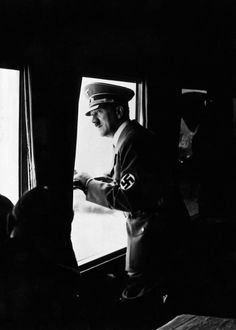 Hitler on a train trip to Italy. (via axishistory) Train Travel, Train Trip, German People, Germany Ww2, World Leaders, Ww2 Leaders, The Third Reich, Total War, Great Leaders