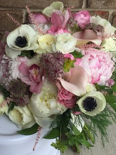 Wedding bouquets, white bouquet, pink bouquet, garden bouquet, wedding flowers
