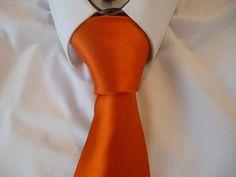 100 ways how to tie a tie necktie ascot cravat bow tie the tie animated how to tie a tie half windsor knot how to tie a necktie ccuart Images