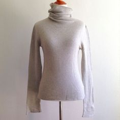 Club Monaco Women's Sz M Medium Sweater Silk Cashmere Beige Turtleneck #ClubMonaco #TurtleneckMock