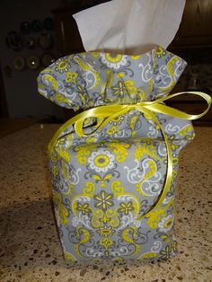 Steps on how to make a boutique tissue box cover with bow