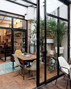 House Interior Design Ideas - Find the very best interior decoration concepts & inspiration to match your style. Browse through images of enhancing concepts & room colours to create your perfect house. Home Design Decor, Home Interior Design, Interior Architecture, Interior And Exterior, Interior Decorating, Home Decor, Design Ideas, Casa Loft, House Extensions