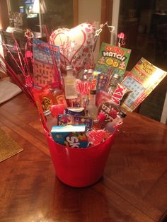 Made my boyfriend a man bouquet it consist of a wallet boxers diy valentines bouquet for him solutioingenieria Image collections
