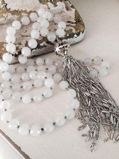 White gemstone luxe jewelry versatile hand knot от MarleeLovesRoxy