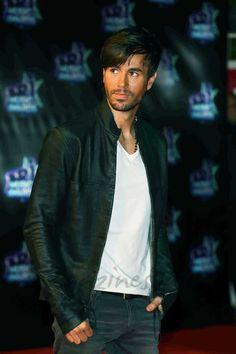 """Enrique Iglesias, comienza el rodaje de su videoclip, """"Súbeme la radio"""""""