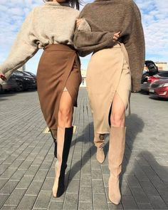 Every scroll on your Instagram feed can be like searching a fashion publication if you follow the best individuals. Instagram's Discover page is also a treasure-trove for style and charm suggestions and inspiration.