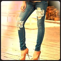 Lace/crochet patched jeans Great jeans worn only 1 time! Great lace detail on the patches in front. Venus Jeans Skinny