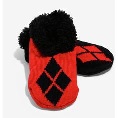 DC Comics Harley Quinn Cozy Slippers ($15) ❤ liked on Polyvore featuring shoes, slippers, socks and women