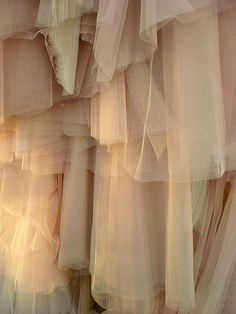 layers of fabric/tulle of monotone colors. Cream Aesthetic, Brown Aesthetic, Fabric Textures, Textures Patterns, Soft Fabrics, Textile Texture, Sheer Fabrics, Shades Of Beige, Painting Art
