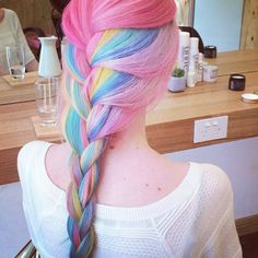 #raimbowhair #pinkhair #bluehair #greenhair #yellowhair #mermaidhair #colorhair #pink #blue #green #yellow #hair #mermaid #raimbow #color br.pinterest.com/lele_4s