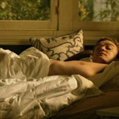 Did anyone else just wanna crawl in bed with him in this scene. Yum