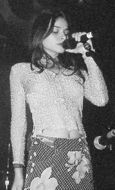 Mazzy Star (Hope Sandoval) love love love this girl! Hope Sandoval, Star Fashion, 90s Fashion, Mtv, Mazzy Star, Punk, Rock And Roll, Style Icons, Cool Girl