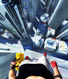 Mirror's Edge-one of the coolest games i've ever played