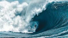 26 Of The Gnarliest Waves Ever Ridden - Radass.com