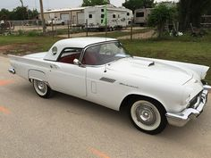 1957 FORD THUNERBIRD - Vicari Auctions