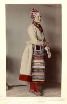 The finer winter costume for married women. Folk Costume, Costumes, Modern Fashion, Vintage Fashion, Swedish Traditions, Folk Clothing, Textiles, Married Woman, My Heritage