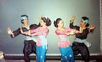 #PINdonesia HIBURAN,korantangsel.com- Perkembangan semakin modern, tidak jarang pula banyak generasi muda mengenal kebudayaan bangsa Indonesia. Sebut saja Tari Ketuk Tilu yang berasal dari Jawa Barat. Tarian yang sudah membudidaya di kalangan masyarakat Jawa Barat ini, memang sudah menjadi budaya masyarakat setempat.