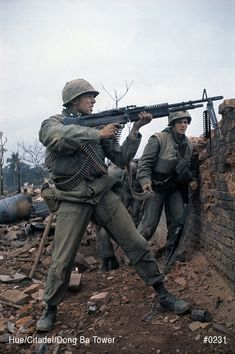 Help locate the Missing Men from the Tet Offensive. Hue Vietnam, South Vietnam, Vietnam Veterans, Vietnam History, Vietnam War Photos, Usmc, Marines, Us Marine Corps, War Photography