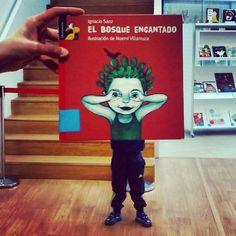O noso #BosqueEncantado é a #biblioteca ... En lugar de #árbores temos #libros ! Non é abraiante? Feliz #BookFaceFriday a tod@s! #bookface