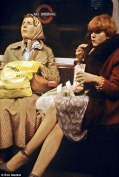 London Underground life is caught on camera in the 1970s and 80s | Daily Mail Online