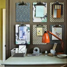 I like this clipboard organization idea!  Perfect for any room.... kitchen for recipes, phone messages, chore charts, shopping lists, ER numbers!!!