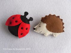 Ladybug & Hedgehog  Set of 2 felt Brooches by acasadoguaxinim, €8.00