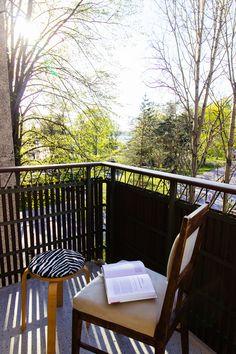 Studio apartment balcony Apartment Balconies, Studio Apartment, Balcony, Deck, Outdoor Decor, Home Decor, Studio Apt, Decoration Home, Room Decor