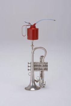 Trumpet + Oil Can : Daniel Eatock
