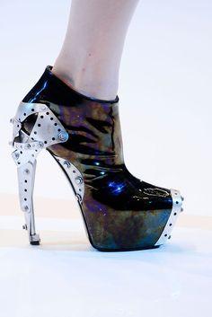 Nouvelle chaussures Alexander McQueen et surtout très différente !