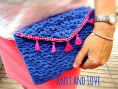 CLUTCH CROCHET BAG WITH LIGHT T-SHIRT YARN