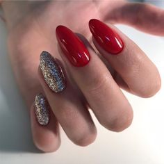 Nail art design with glitter bright 41 ideas Fancy Nails, Red Nails, Cute Nails, Pretty Nails, Opi Red, Perfect Nails, Gorgeous Nails, Holiday Nails, Christmas Nails