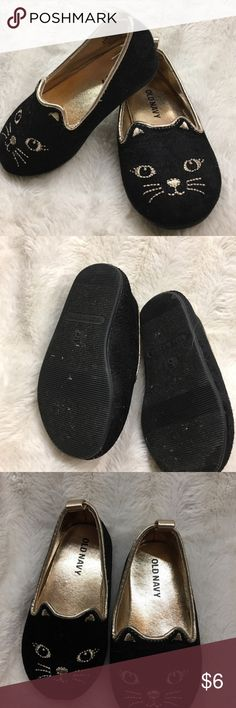 Toddler size 5 shoes Toddler size 5 shoes with cat face. Black velvet with metallic gold stitching never worn outside might not ever been worn at all. I'd be happy to bundle these! Old Navy Shoes Slippers