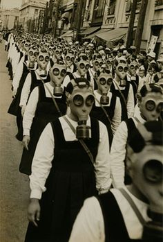 """This is one of the most haunting pictures I have ever seen. Schoolgirls in gas masks, WWII. And all I can think of is """"are you my mummy? Old Photos, Vintage Photos, Vintage Halloween Photos, Arte Obscura, Interesting History, Vintage Photography, People Photography, Photography Courses, Historical Photos"""