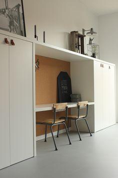 M2 CONPLANATO | Mineralen vloer | Cement gebonden | Harde vloeren | Structuren | Industrieel | Fijne sfeer | Toffe vloer | Gietvloer | Naadloos | Natuurlijk | Uniek | Scratch No More | Goede stoeldoppen | Kinderhoek | Kinderen | Voor de kleintjes | Vette plaatjes! | Room Decor Bedroom, Kids Bedroom, Kids Workspace, Interior Styling, Interior Design, Fashion Room, Kid Spaces, Office Interiors, Small Apartments