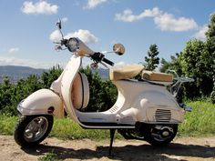 vespa s college 50...I want these to go to college!!!!