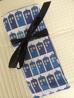 Hey, I found this really awesome Etsy listing at https://www.etsy.com/listing/198101362/tardis-doctor-who-knitting-needle-case