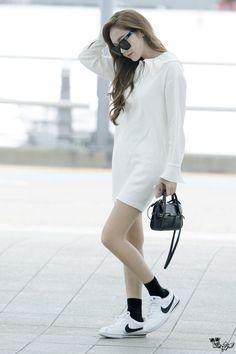 ( 160706 ) Incheon Airport to HongKong Airport. Snsd Fashion, Fashion Line, Vogue Fashion, Fashion 2017, Trendy Fashion, Korean Fashion, Girl Fashion, Jessica Jung Fashion, Jessica & Krystal