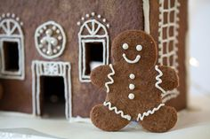 Grain-Free Gingerbread Men and Gingerbread House | DeliciouslyOrganic.net (Paleo)