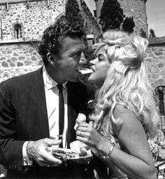 Jayne Mansfield with husband Mickey Hargitay