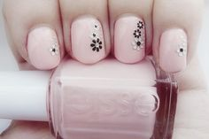 nail polish uploaded by Aera on We Heart It